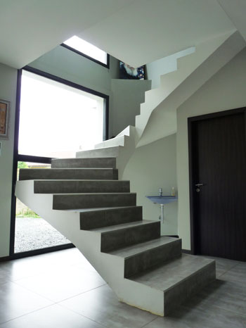 Architecture d 39 int rieur architecte de maisons for Fenetre escalier