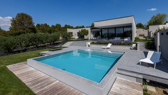 terrasse piscine contemporaine