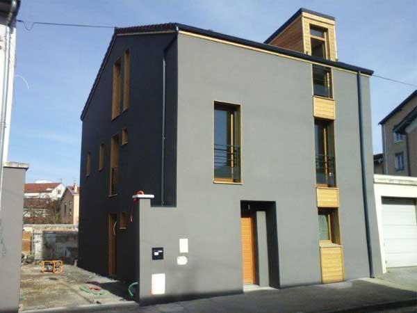 Maison terminée - côté rue