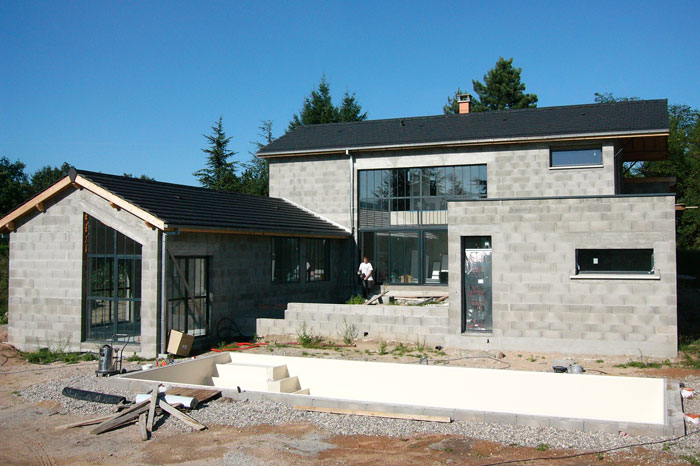 Stunning duune maison en blocs de bton with prix du m2 for Prix du m2 construction neuve