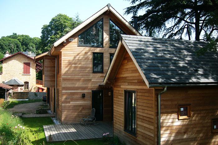 Grande maison en bois pour famille nombreuse